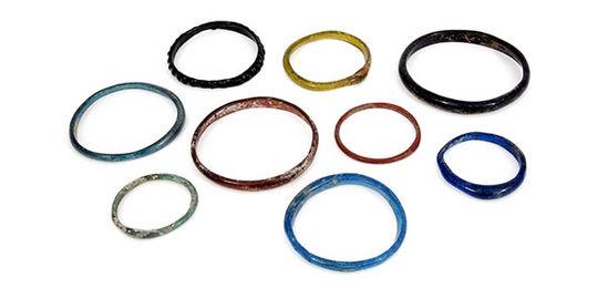 Roman%20glass%20bracelet_5586ca23f55f9708a94d9585fd885a032543